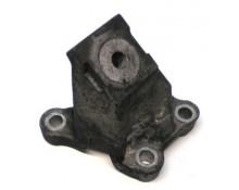 Tvirtinimo laikiklis-kronšteinas variklio VW / Audi 2.7/3.0TDi V6 4F0199307AA